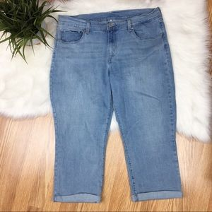 Levi's Light Wash Cuffed Ankle Crop Jeans Size 32